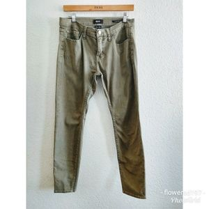BDG Mid Rise Twig Ankle Jeans Size 30